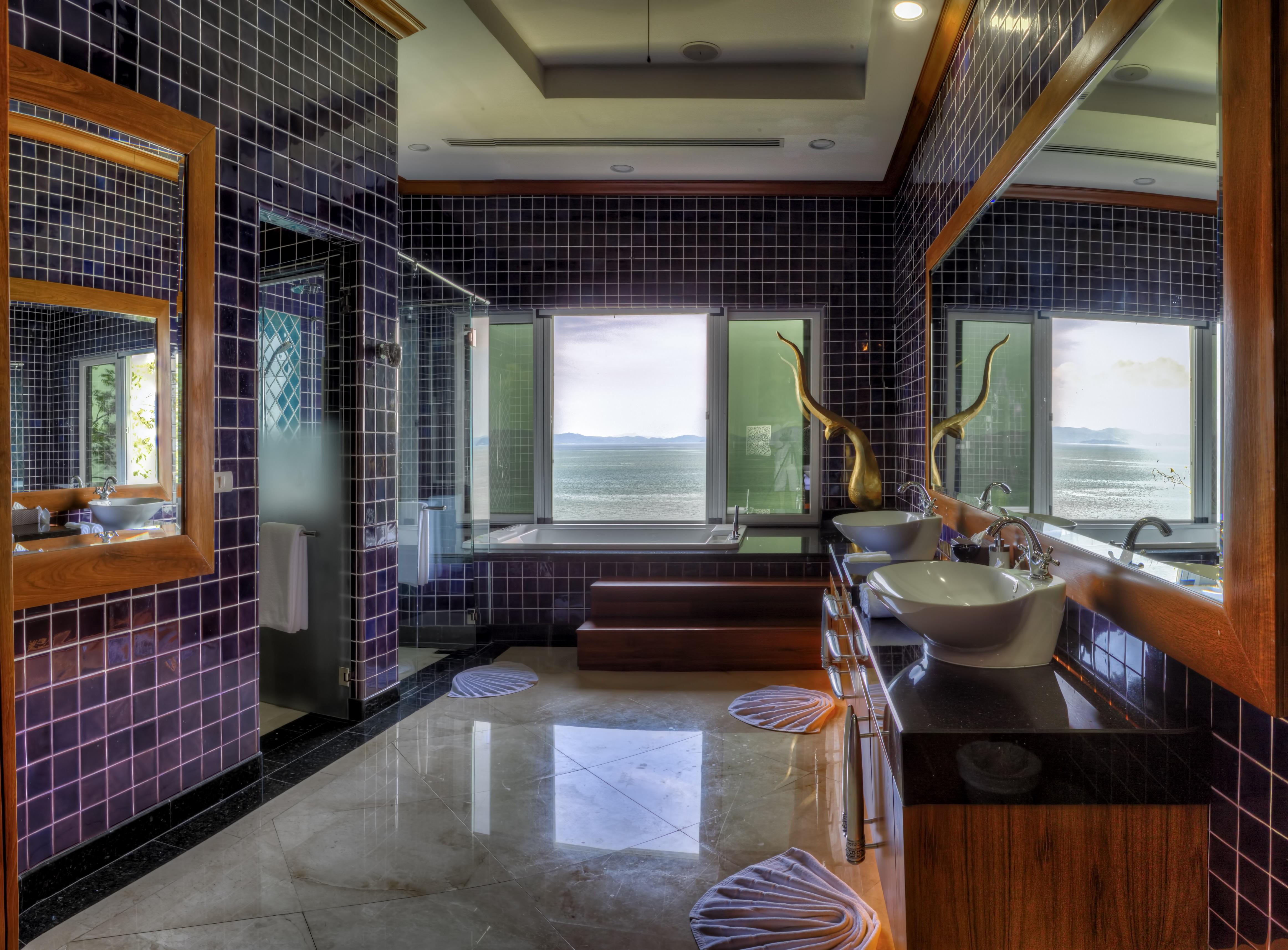 4.Seaside Villa Seaside Bedroom #1 Bath