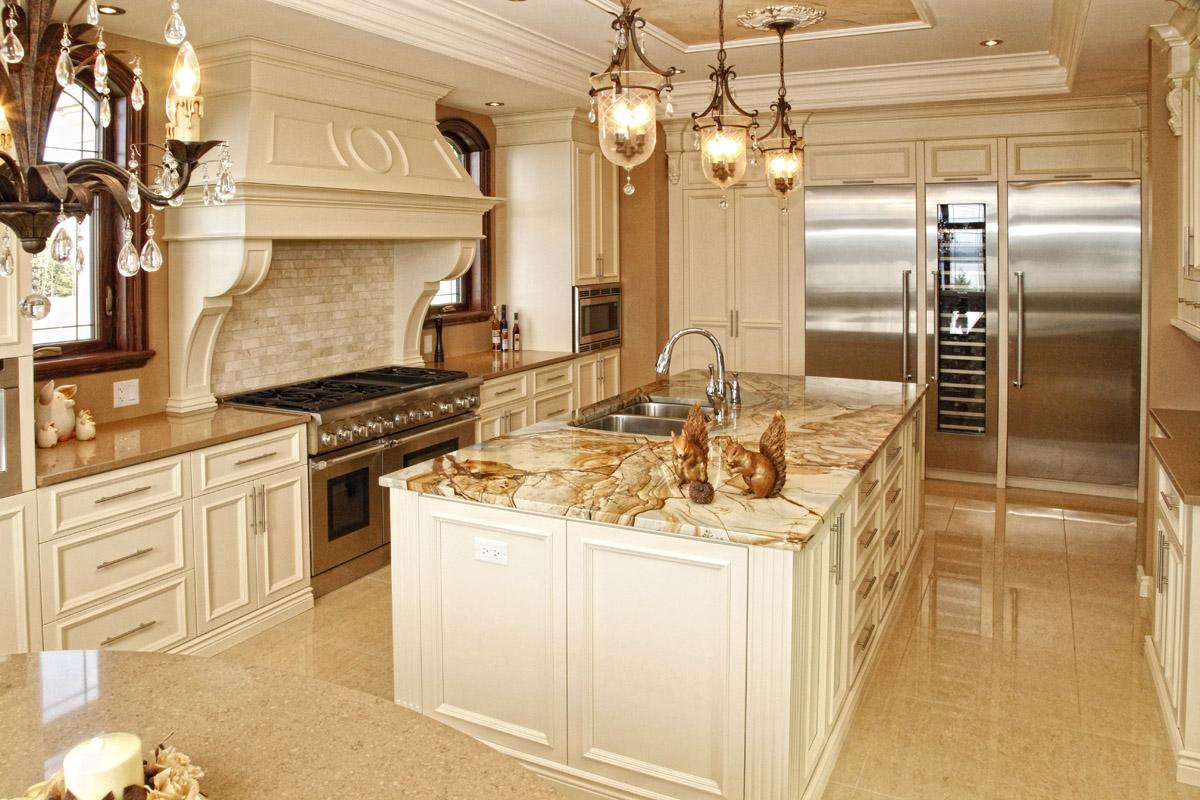 Garneau et borne magazine luxe immobilier i design i for Deco cuisine classique