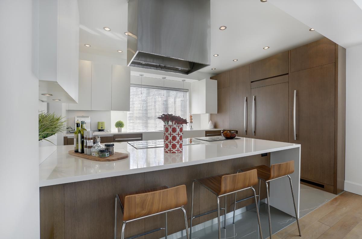 Une maison ancestrale reconvertie en firme d architecture magazine luxe immobilier i design for Comcuisine design toulouse