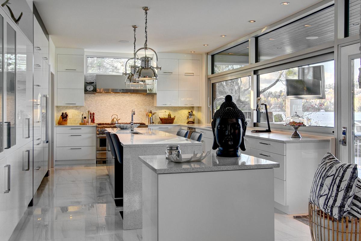 contemporaine et rac e magazine luxe immobilier i. Black Bedroom Furniture Sets. Home Design Ideas